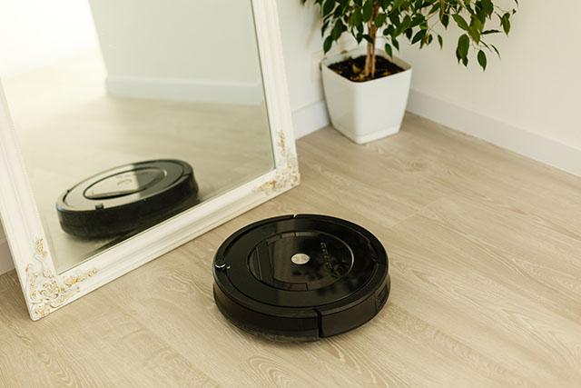 Vacuums & Floor Cleaners